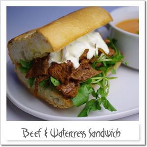 牛肉とクレソンのサンドイッチ