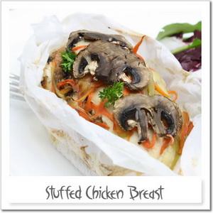 豆腐ソースを挟んだ鶏胸肉の紙包み焼き